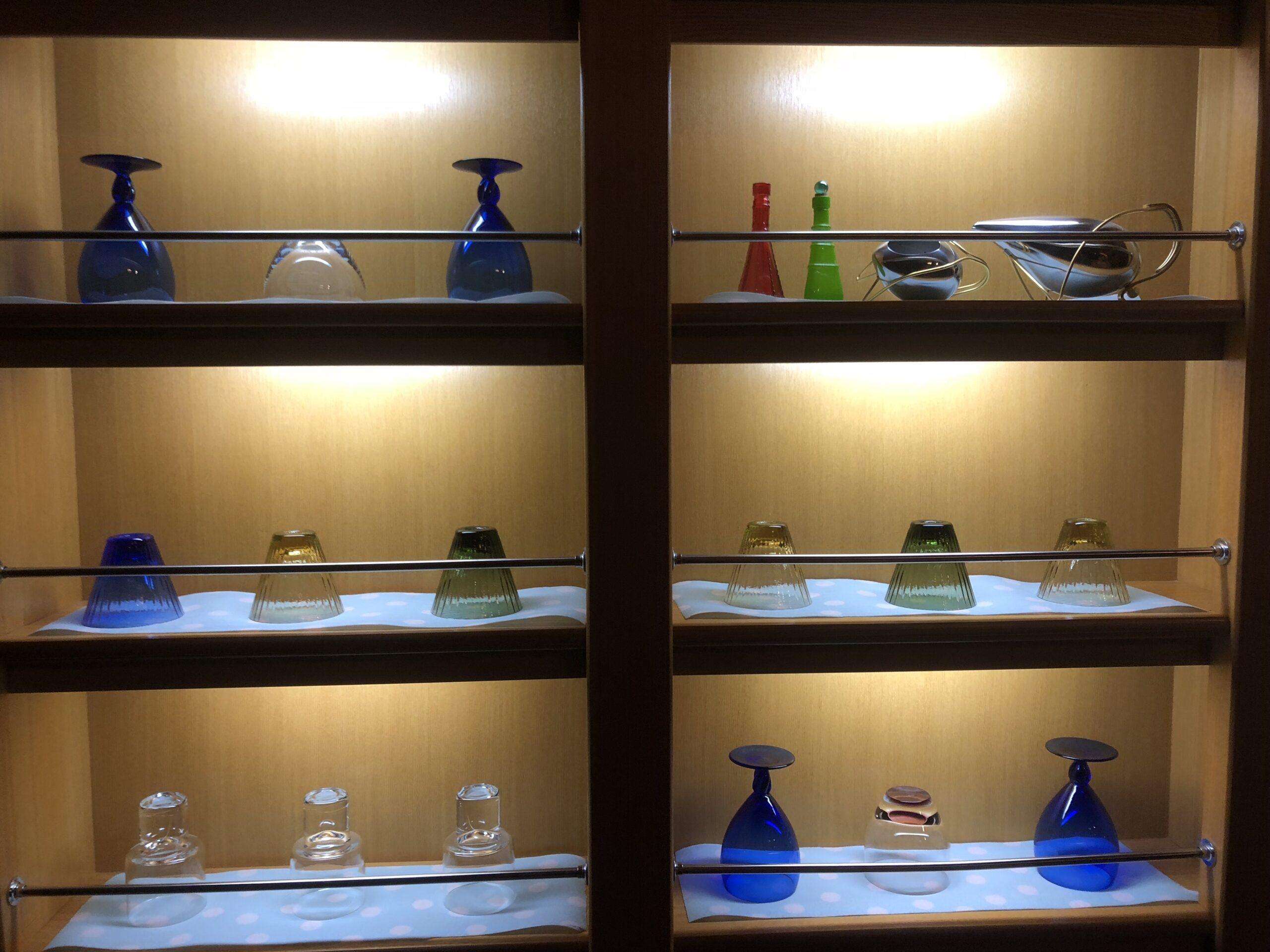 松島佐勘のセルフバー内にあるグラス