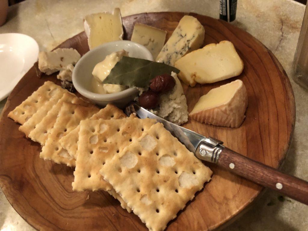 バールバッフォーネのフレッシュチーズ盛り合わせ