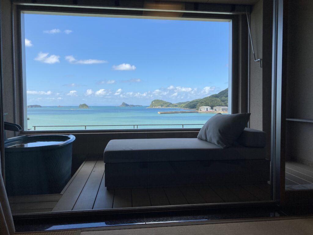 壱岐リトリート海里村上の客室露天風呂から見た海