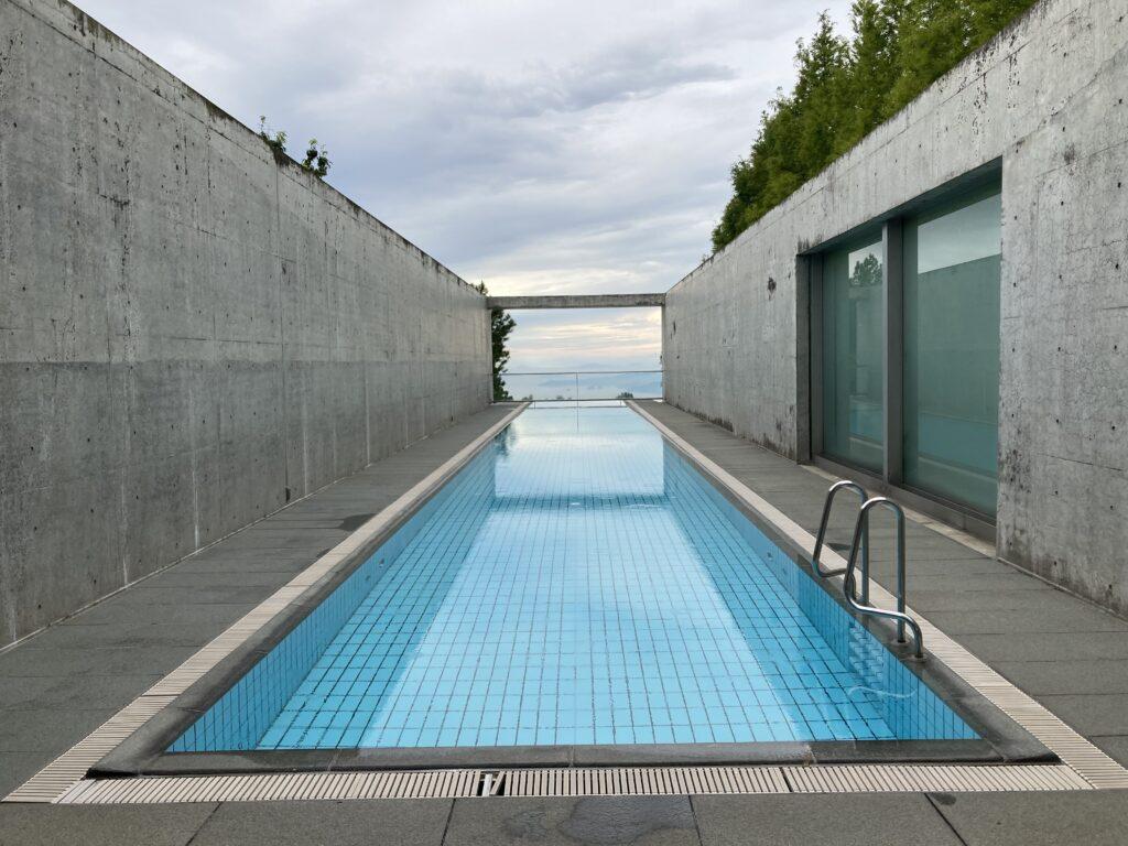 瀬戸内リトリート青凪の屋外プール(無料)
