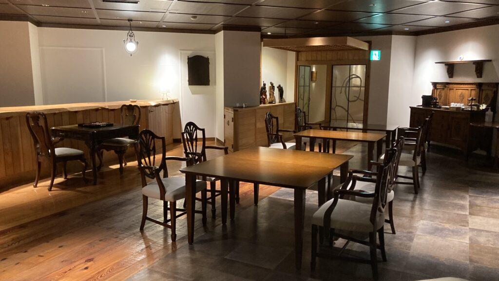 壱岐リトリート海里村上のライブラリー&バー