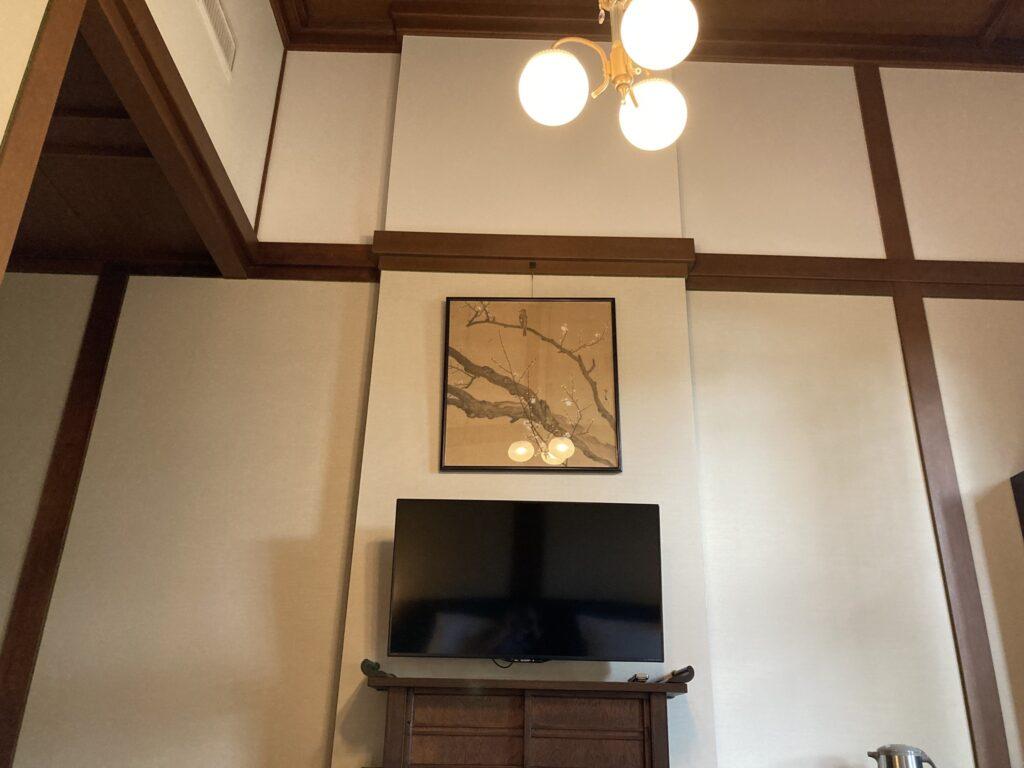 奈良ホテル新館の客室は天井が高い