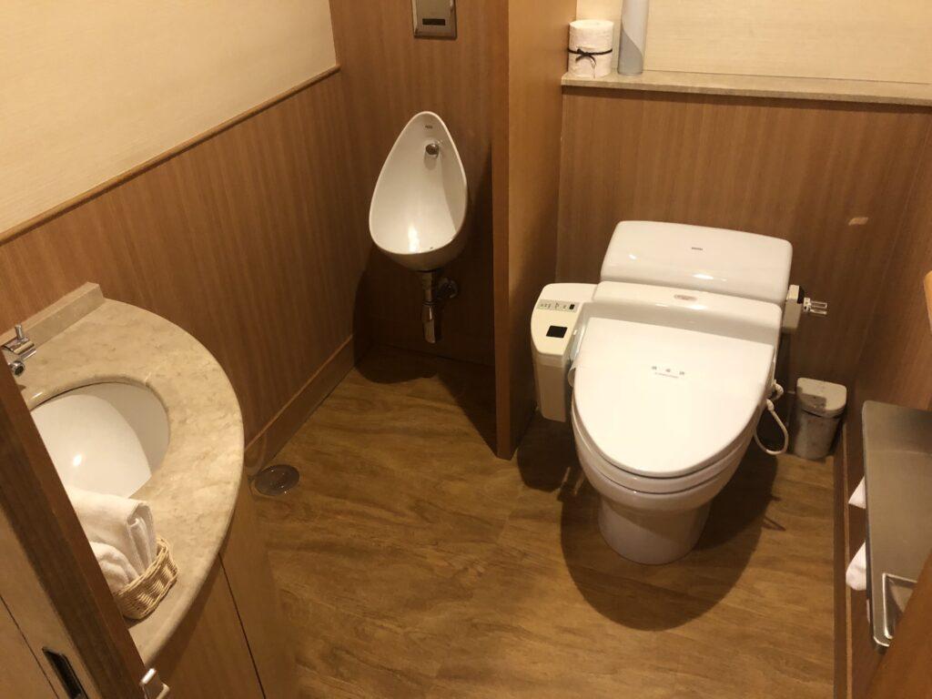 松島佐勘の客室内のトイレ