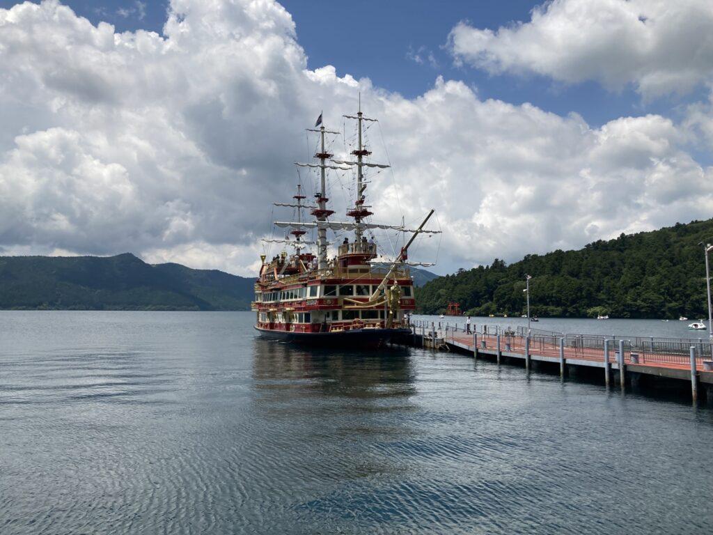 外観:箱根の遊覧船
