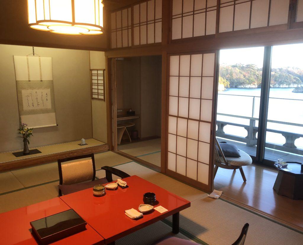 松島佐勘の客室「松島湾を望む和室」
